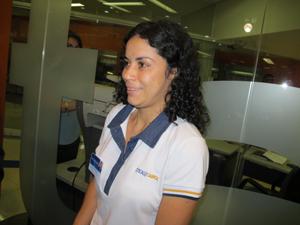 Funcionária da ótica Carol diz que teve medo de morrer (Foto: Marcelo Mora/G1)