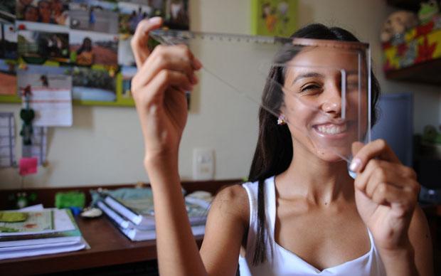 Marceloa Malheiro, de 16 anos, foi aprovada em nove vestibulares de medicina (Foto: Raul Zito/G1)
