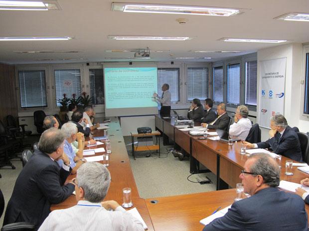 Reunião energia (Foto: Carolina Iskandarian/ G1)