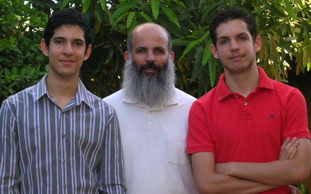 Cleber Andrade Nunes e os filhos (Foto: Arquivo pessoal)