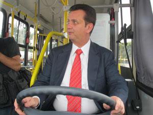 kassab ônibus anhembi (Foto: Juliana Cardilli/G1)