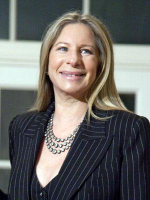 A atriz e cantora Barbara Streisand (Foto: AP)