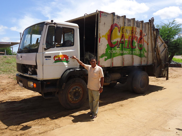 José da Silva Fernandes é motorista da Prefeitura de Caicó há um ano e três meses. (Foto: Rosivan Amaral/Rádio Caicó AM)