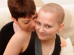 A mãe de Donna, Nikki Parker, diz que escolha da filha ameniza o sofrimento. (Foto: PA / via BBC)