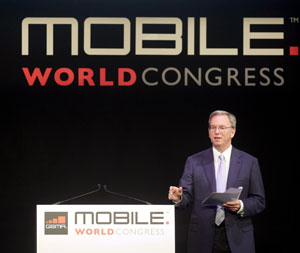 Eric Schmidt, CEO do Google, falou em palestra no Mobile World Congress (Foto: Albert Gea/Reuters)
