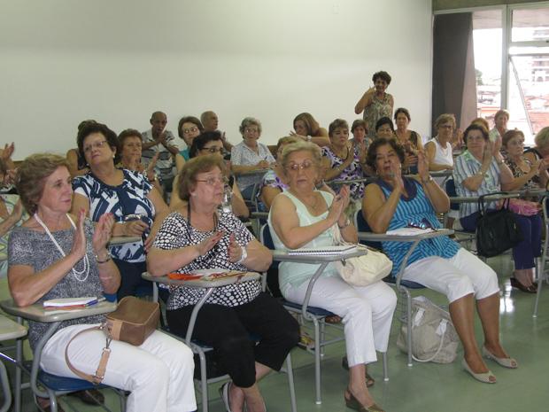 Aula do curso para a terceira idade da Universidade São Judas, em São Paulo (Foto: Vanessa Fajardo/G1)