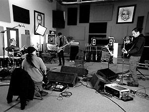 Os integrantes do Soundgarden reunidos em estúdio (Foto: Reprodução/Site do Artista)
