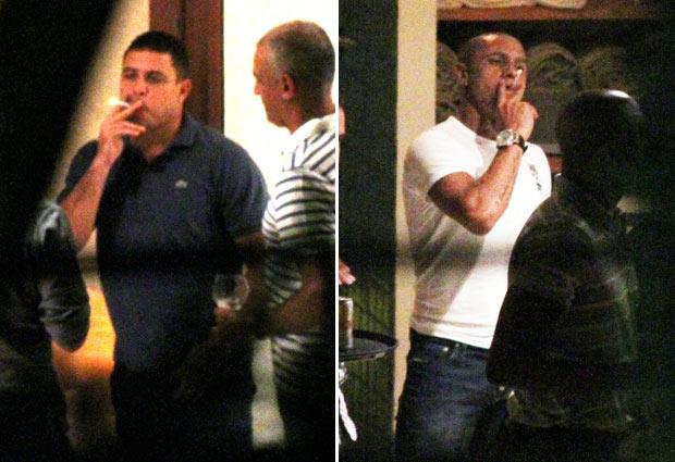 Imagens do ex-jogador Ronaldo e do lateral-esquerdo Roberto Carlos em festa promovida em sua casa para o lutador de MMA (Mixed Martial Arts) Anderson Silva, na noite desta quinta-feira (17). (Foto: José Mariano/AE)