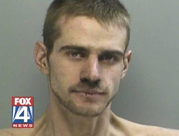 Justin James Cain tentou invadir casa e ficou preso em chaminé. (Foto: Reprodução)