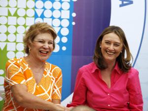 A senadora Marta Suplicy (esq.) e a ministra Maria do Rosário durante ato em São Paulo (Foto: William Volcov / Agência Estado)