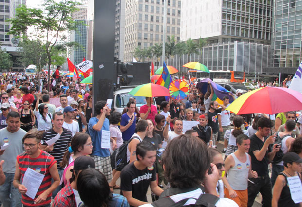Manifestantes ocuparam duas faixas da Paulista (Foto: Gabriela Gasparin/G1)