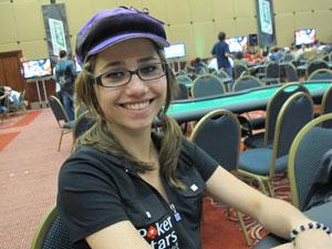 Daniela Zapiello vive apenas com o valor dos prêmios dos torneios de pôquer (Foto: Gustavo Petró/G1)