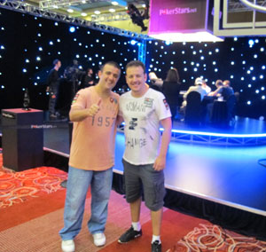 André Akkari (à esquerda) e Alexandre Gomes, sucesso no pôquer on-line e off-line (Foto: Gustavo Petró/G1)