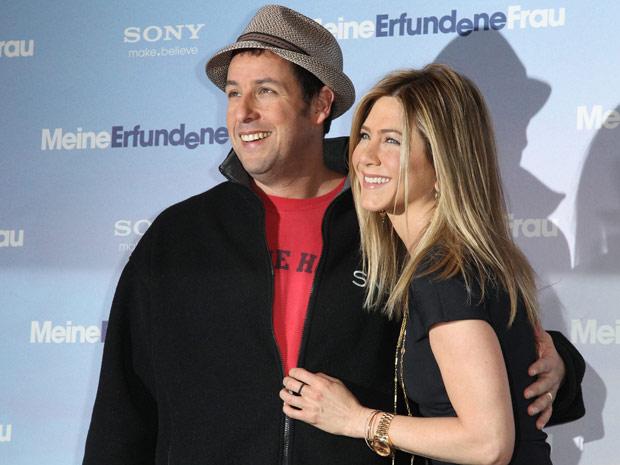 Resultado de imagem para adam sandler and Jennifer aniston