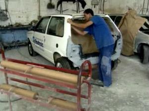 Reparos de funilaria e pintura ajudam a evitar a desvalorização do carro (Foto: Reprodução/TV Globo)