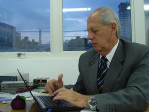 O gerente da empresa, Amaury Belmonte, que vendeu blindados à Líbia em 2006 (Foto: Roney Domingos/ G1)