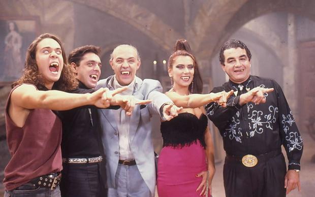 Flavio Silvino, Guilherme Leme, Ney Latorraca, Patricia Travassos e Otávio Augusto em cena de 'Vamp'.  (Foto: Divulgação)