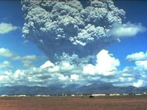 Vulcão Pinatubo, nas Filipinas (Foto: U.S. Geological Survey)