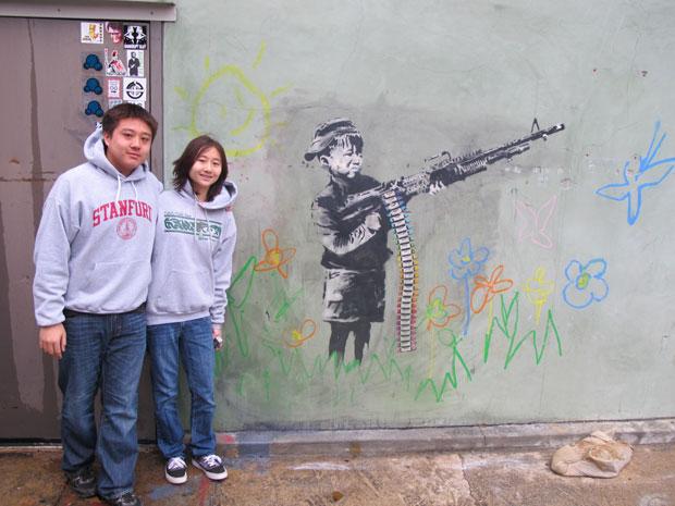 Obra intacta de Banksy em muro na Califórnia (Foto: Gustavo Miller/G1)