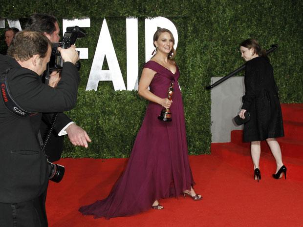 Natalie Portman, vencedora do prêmio de melhor atriz pela sua atuação em 'Cisne negro', também foi à festa (Foto: Reuters)