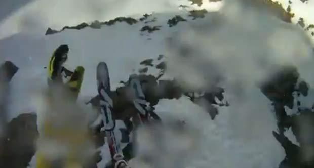 Queda de 15 segundos foi filmada por câmera instalada no capacete. (Foto: Reprodução)