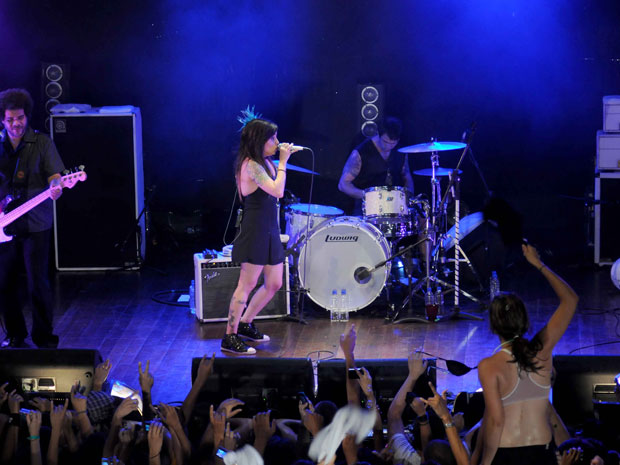 A cantora se apresenta ao lado de sua banda em show que foi registrado em DVD. Nome do novo trabalho foi revelado por Pitty em sua conta do Twitter. (Foto: Caroline Bittencourt)