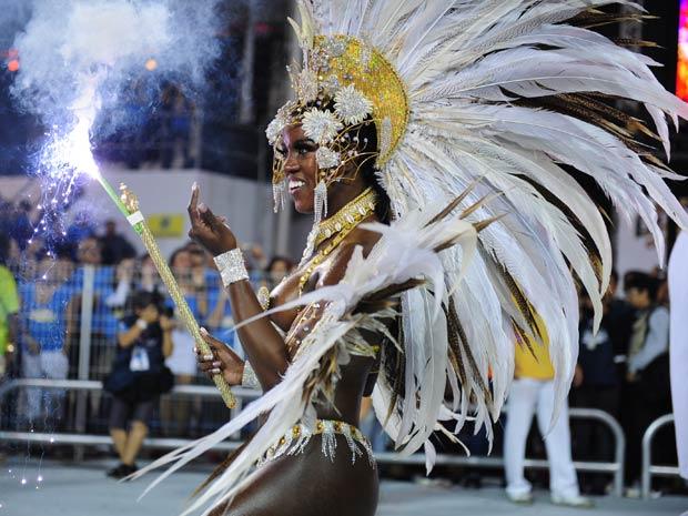 Valéria de Paula, rainha de bateria da Acadêmicos do Tucuruvi (Foto: Raul Zito/G1)