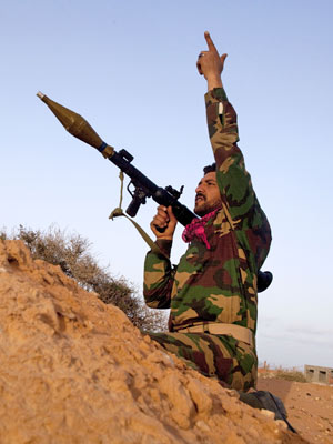 rebelde líbia (Foto: Kevin Frayer/AP)