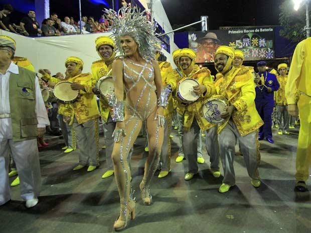 Adriane Galisteu é a rainha de bateria (Foto: Lucíola Vilela/G1)