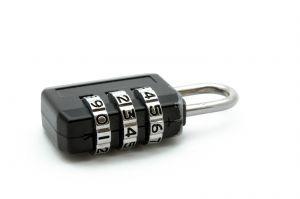 Quando uma senha numérica for obrigatória, evite datas, placas de carro, números de telefone e outros números com significado pessoal (Foto: Divulgação)