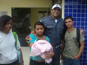 Policial reencontra família de menina que não sabia que estava grávida - RJ (Foto: Arquivo Pessoal / Ronaldo de Carvalho)