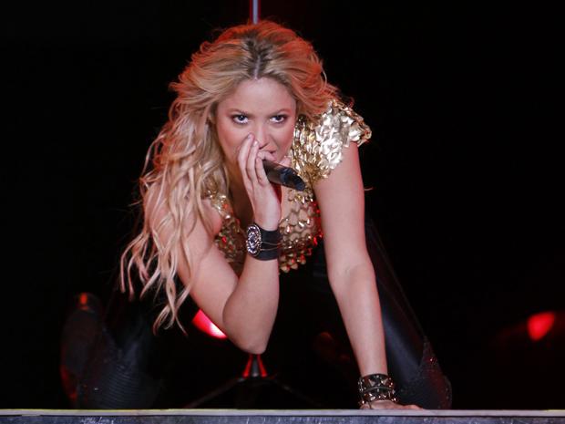 Shakira canta em Bogotá, na Colômbia (Foto: Reuters/John Vizcaino)