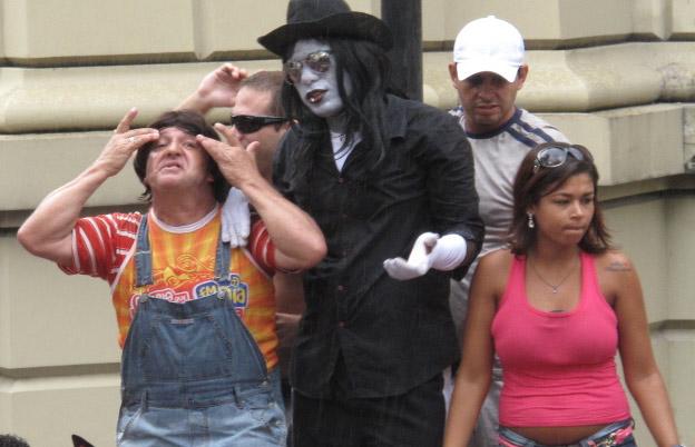 Zacarias e Michael Jackson ressuscitam no Monobloco (Foto: Alba Valéria Mendonça/G1)