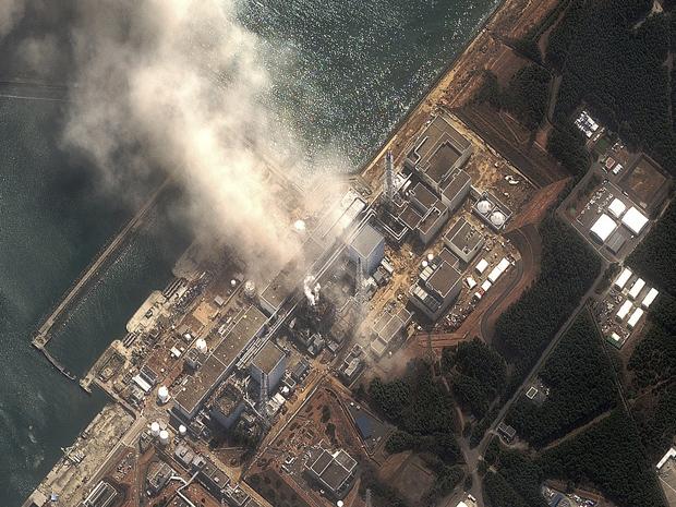 Imagem aérea da usina Fukushima Daiichi após explosão nesta segunda-feira (14) (Foto: Reuters)