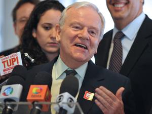 Brasilia - O Presidente do Conselho de Administração do BG Group, Robert Wilson fala a imprensa após encontro com a presidenta Dilma (Foto: ValterCampanato/ABr)