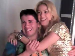 Shakira ao lado do imitador Rodolfo Burgos (Foto: Reprodução)