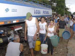 Sanepar abastece bairros isolados de Antonina. (Foto: Divulgação Sanepar)