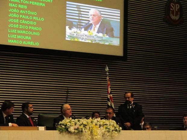 Barros Munhoz foi reeleito  (Foto: Luciana Bonadio/G1)