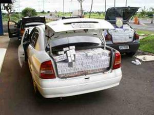 Carga de mais de 75 mil maços de cigarros estava em quatro carros vindos do Paraguai (Foto: Foto: Divulgação Polícia Rodoviária Federal)