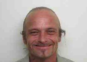 Mitchell Tice roubou um saco com vibradores de seu chefe. (Foto: Divulgação)