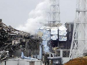 Foto divulgada pela Tokyo Electric Power CO mostra dano em reator 4 de Fukushima (Foto: Reuters/G1)