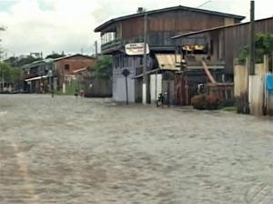 Ruas alagadas em Tucuruí, no Pará (Foto: Reprodução/TV Liberal)