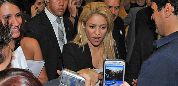 A cantora colombiana Shakira, ao chegar no Paláciodo Planalto para reunião com a presidente Dilma Rousseff (Foto: Valter Campanato/ABr)