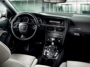Audi RS5 tem linhas imponentes, mas ao mesmo tempo discretas (Foto: Divulgação)