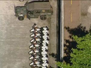 Militares preparam a vinda de Obama na Gávea, na Zona Sul do Rio. (Foto: Reprodução/TV Globo)