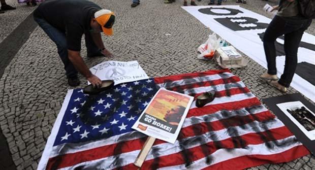 Protesto contra Obama no Rio (Foto: Vanderlei Almeida/AFP)