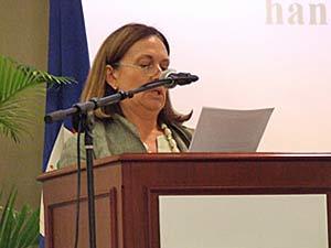 A mulher do chnceler Antonio Patriota, Tania Cooper Patriota, que vai acompanha a primeira-dama dos EUA, Michelle Obama, em Brasília (Foto: Reprodução)