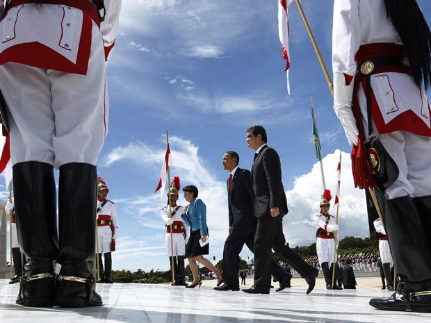 O presidente dos EUA, Barack Obama, ao chegar ao Palácio do Planalto para encontro com Dilma Rousseff (Foto: Agência Estado)