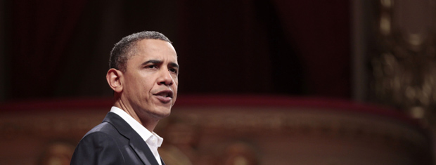 O presidente dos EUA, Barak Obama, fala neste domingo (20) no Theatro Municipal, no Rio (Foto: AP)