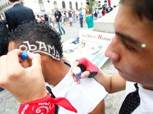 Homenagem a Obama (Foto: Rodrigo Gorosito/G1)